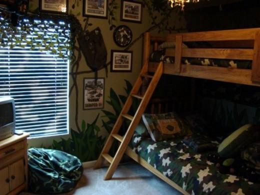 Boys camo bedroom decor groovy kids gear for Boys camouflage bedroom ideas