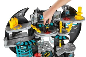 DC Super Friends Batcave Set